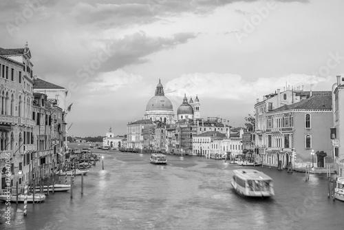 Obraz na dibondzie (fotoboard) Kanał Grande w Wenecja, Włochy z Santa Maria della Salute bazyliką
