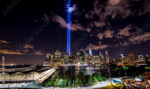Fotografia  New York light beams, 9-11