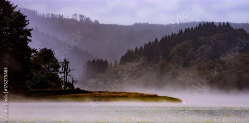 Tuinposter Purper Foggy landscape of a lagoon in California
