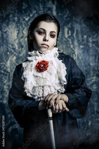 Spoed Fotobehang Halloween kid in vampire costume