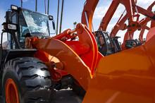 Bulldozer With Hydraulic Pisto...