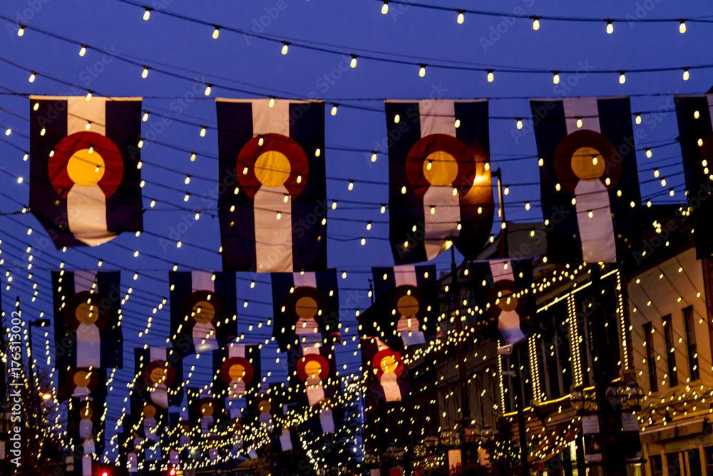 Fototapeta Colorado Flags on Larimer Square Denver