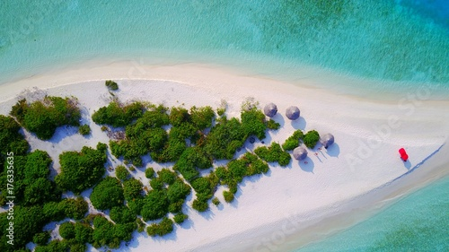 Valokuva  P01088 Aerial flying drone view of Maldives white sandy beach on sunny tropical