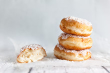 Deep-fried Doughnuts Filled With Coconut Custard Cream