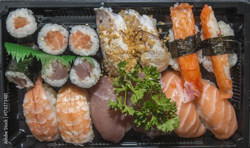 azjatyckie-potrawy-sushi