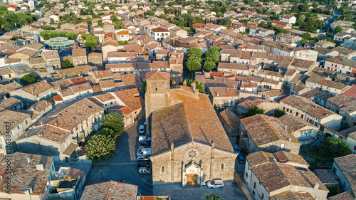 Photo Aerial top view of Bram medieval village architecture and roofs from above, Sout