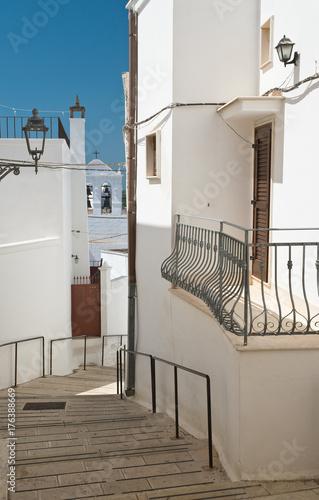 Fotografie, Obraz  Alleyway. Massafra. Puglia. Italy.