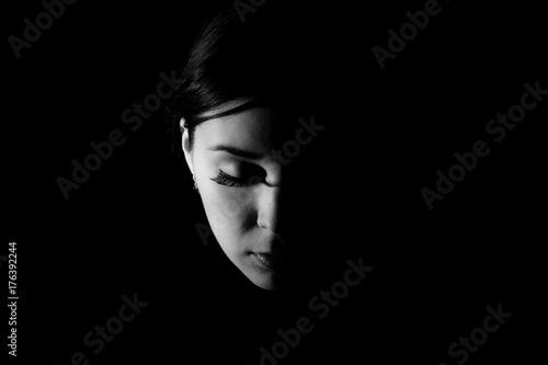 Fotografija  Face in the darkness