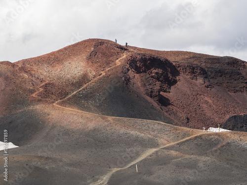Plakat Brown pola lawy i szlak turystyczny wokół wulkanu Eyjafjallajokull