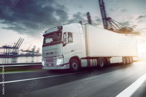 LKW - Transport - Logistik