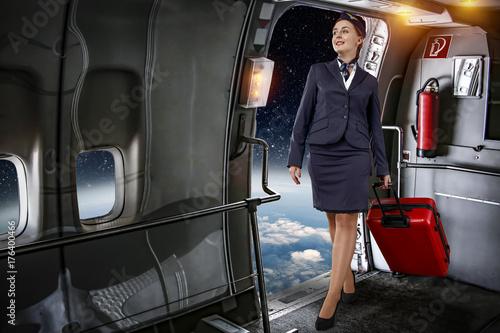 Plakat Boże Narodzenie i kobieta w samolocie