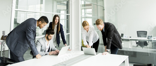 Obraz Businesspeople having meeting in conference room. - fototapety do salonu