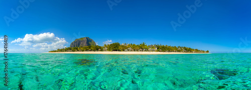 Poster Tropical plage Panoramic view of Mauritius island landscape