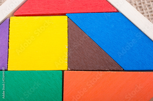 Poster Graffiti Pieces of a square tangram puzzle