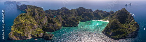 Photo Tourist Boats In Busy Maya Bay, Phi Phi Islands, Thailand, High Aerial Panorama