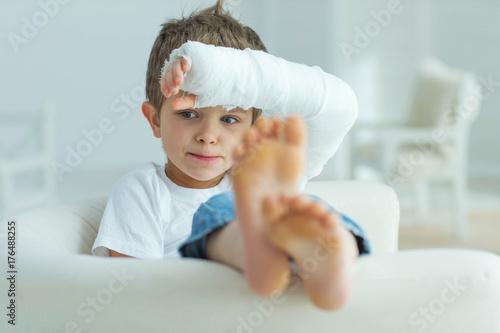 Fotografía  Child with an injury
