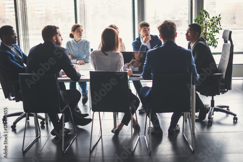 Obraz Business People Analyzing Statistics Financial Concept - fototapety do salonu