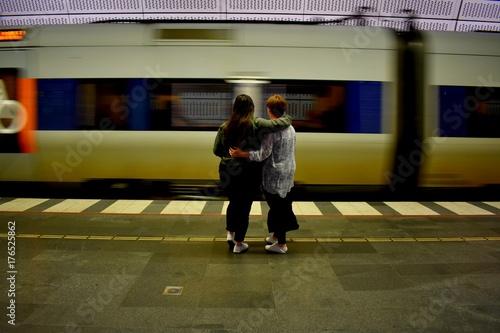 Plakat Przeprowadzka pociągu z mamą i córką