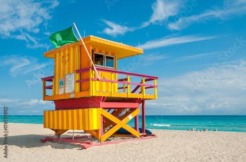 Fotomural  Lifeguard Tower in South Beach, Miami Beach, Florida