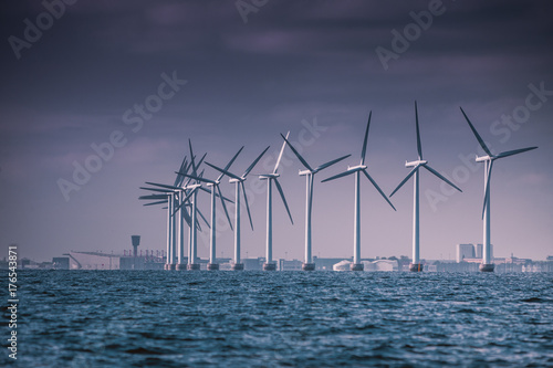Fotografia  Wind turbines farm in Baltic Sea, Denmark