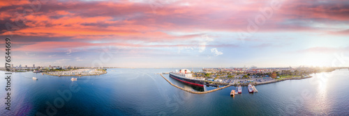 Fényképezés  Panoramic aerial view of Long Beach and Queen Mary, California
