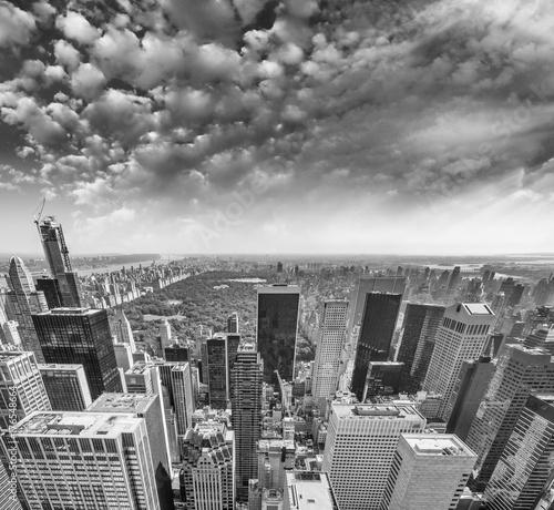 Midtown Manhattan aerial skyline, New York City at summer sunset © jovannig