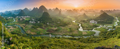 Tuinposter Guilin Mountains in Guilin - China