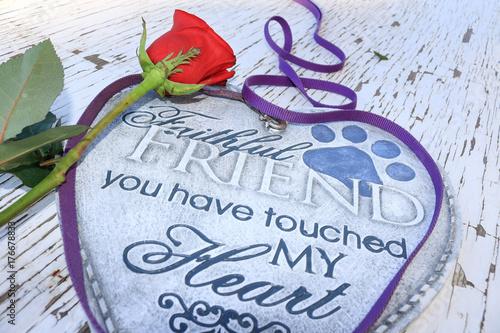 Fotografia, Obraz Dog leash surrounding a heart shaped plaque