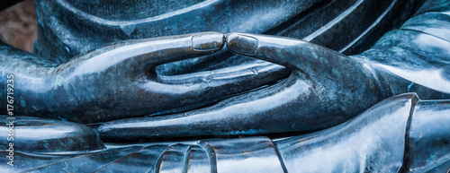 Foto Detail of Buddha statue with Dhyana hand position, the gesture of meditation
