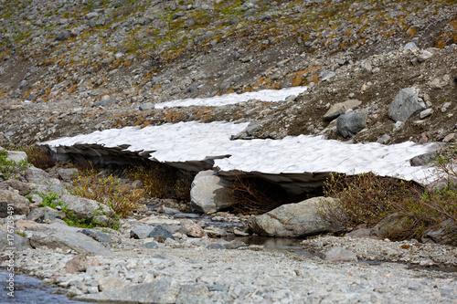 Zdjęcie XXL Lodowiec w górach Khibiny, Kola Półwysep, Rosja.