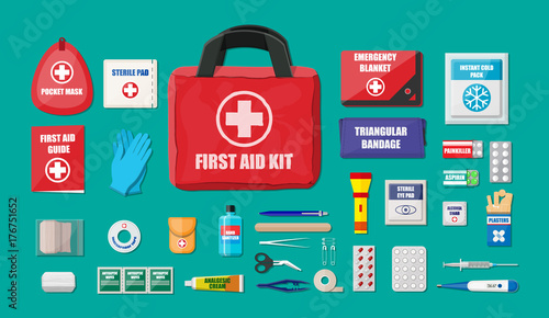 First aid kit with medical equipment Fototapet