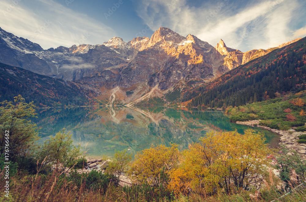 Fototapety, obrazy: Tatra mountains, Morskie Oko lake, fall morning, Poland