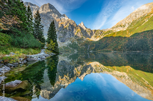 tatra-mountains-morskie-oko-lake-fall