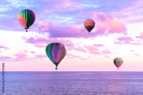 Plakat Powietrze balony w żywym niebie