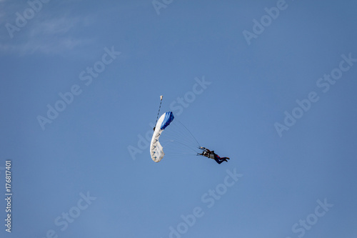 Foto op Canvas Luchtsport Skydiver in the sky