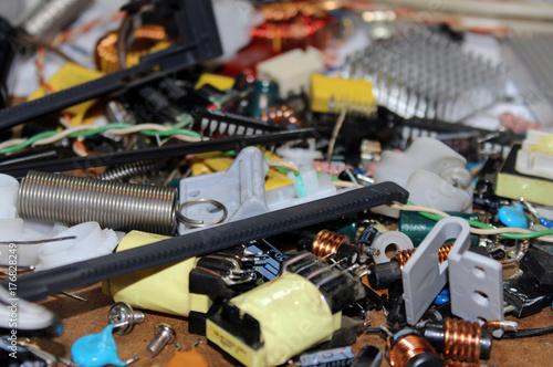 Plakat Komponenty elektroniczne, złom elektroniczny
