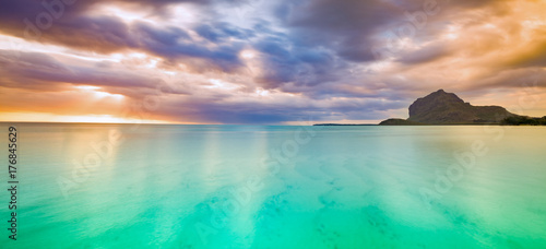Photo sur Toile Ile Amazing view of Le Morne Brabant at sunset.Mauritius. Panorama