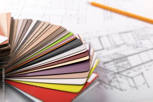 Fotografía  kitchen furniture design - material samples on project sketch