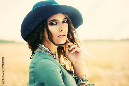 Poster Gypsy romantic young woman