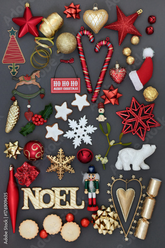 Decoration Biscuit Noel.Noel Sign With Symbols Of Christmas Including Bauble