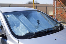 Sun Reflector Windscreen. Prot...