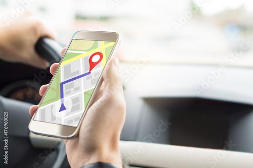 Fotografia  Navigation with mobile app in smartphone