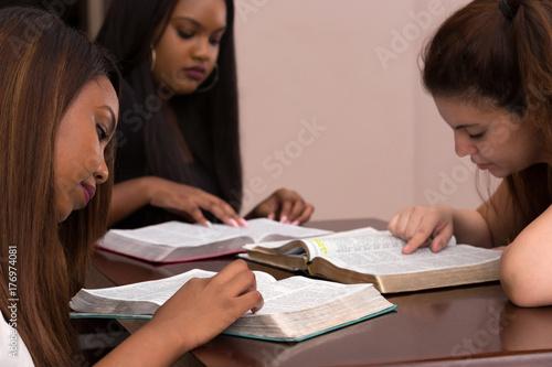 Womens Devotional Bible Study Fototapete