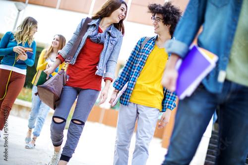 Plakat Koncepcja przyjaźni studentów nastolatków