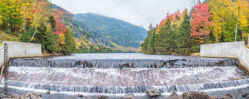 Pinturas sobre lienzo  The dam of Lower Ausable Lake in Adirondacks