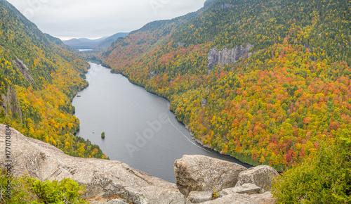 Vászonkép Cliff over Lower Ausable Lake in Adirondacks