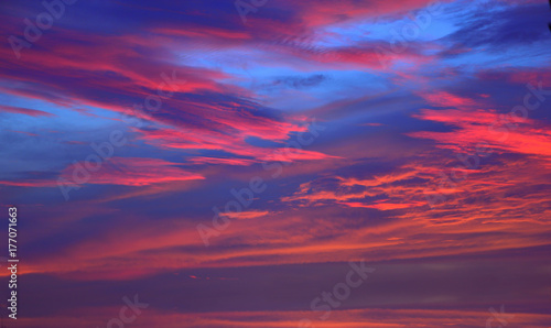 Foto auf AluDibond Hochrote The sky with clouds beatiful sunrise background.