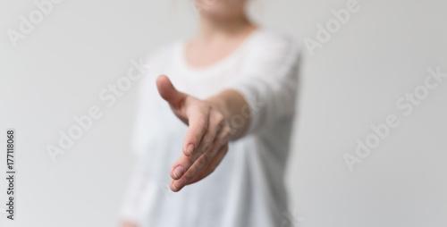 Fotografie, Obraz  handshake girl