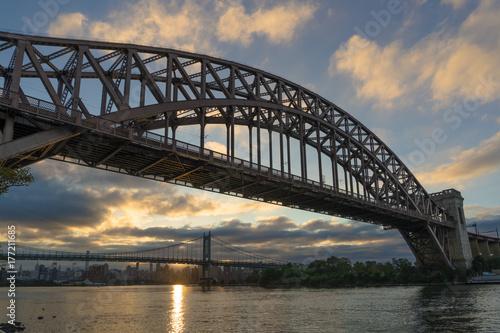 Plakat Two Bridges One Sun