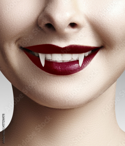 Sexy female vampire lips Canvas